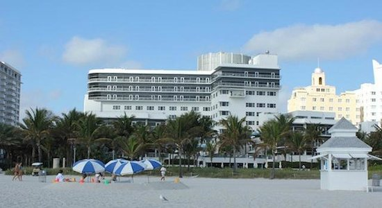 The Ritz-Carlton, South Beach : vista da praia do hotel