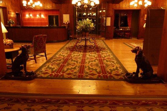 Llao Llao Hotel and Resort, Golf-Spa: Barra del lobby