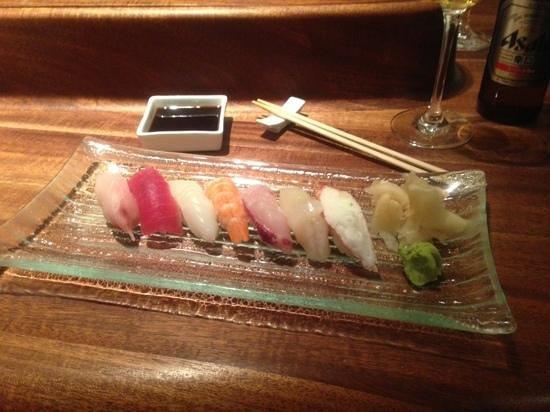 Alex Sushi: sushi platter - red menu