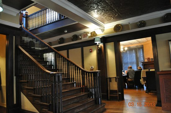 The Peppermill: Stairway in the entrance area.