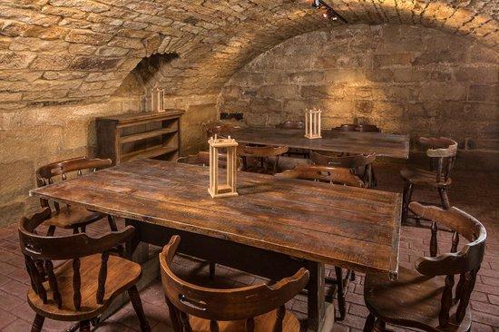 Canal Tavern of Zoar: Ratskeller