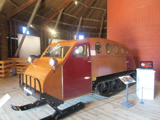 Shelburne Museum: Sleigh barn