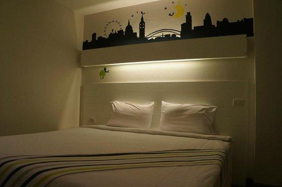 The Phoenix Hotel Bangkok: The Phoenix Hotel room