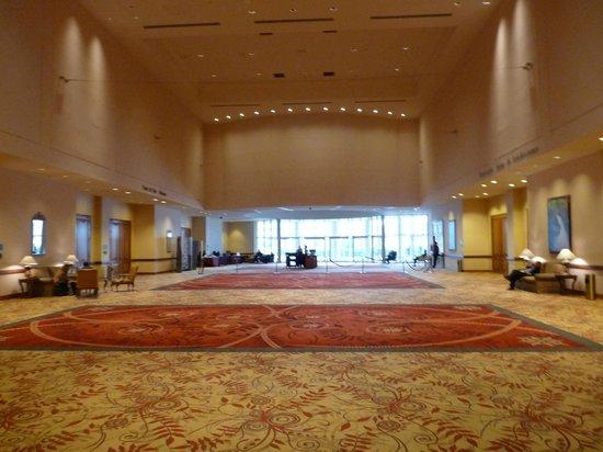 Conrad Punta del Este Resort & Casino: Hall comunicando a los salones