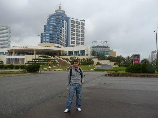 Conrad Punta del Este Resort & Casino: Desde afuera