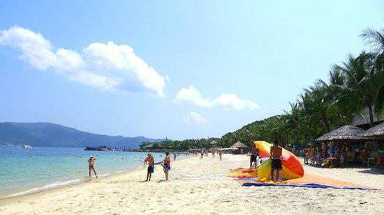MerPerle Hon Tam Resort: Hon Tam Resort Beach
