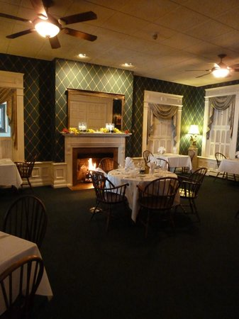 The Brewster Inn: Dining room