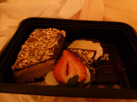 The Brewster Inn: My mud pie dessert to go! Sooooo good!!