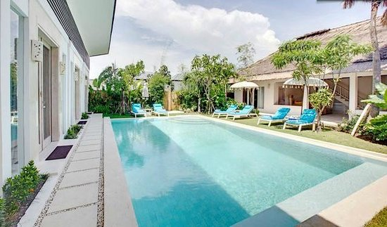 La Cabana Hotel and Villas: Swimming Pool