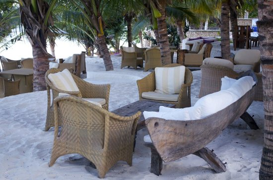 Swahili Beach Resort:                   Dine @ the Beach