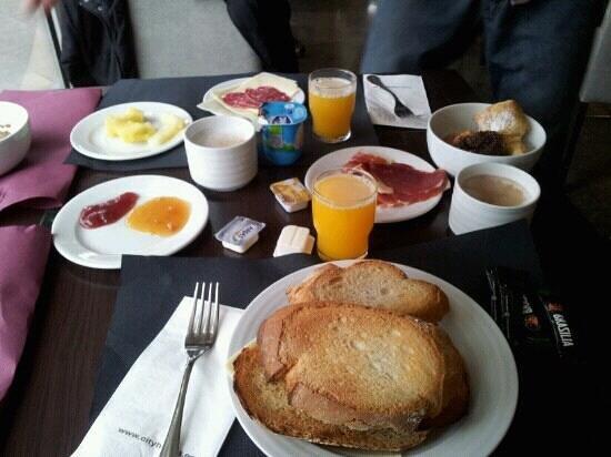 Mercure Atenea Aventura:                                     The breakfast we got our hands on