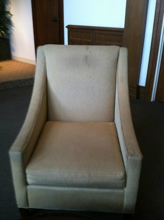 Lakeway Resort and Spa:                   Chair with stains at Lounge/breakfast area