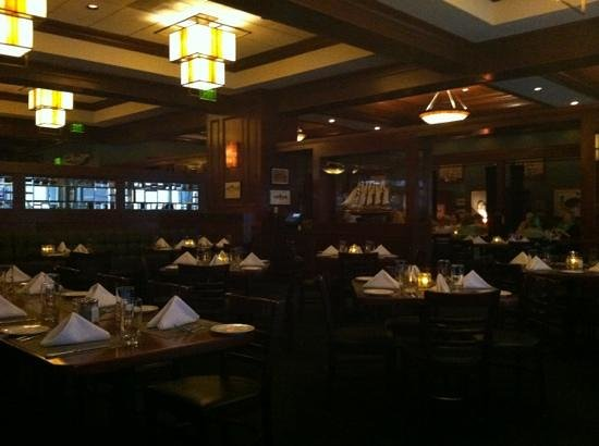 McCormick & Schmick's:                                     dining room