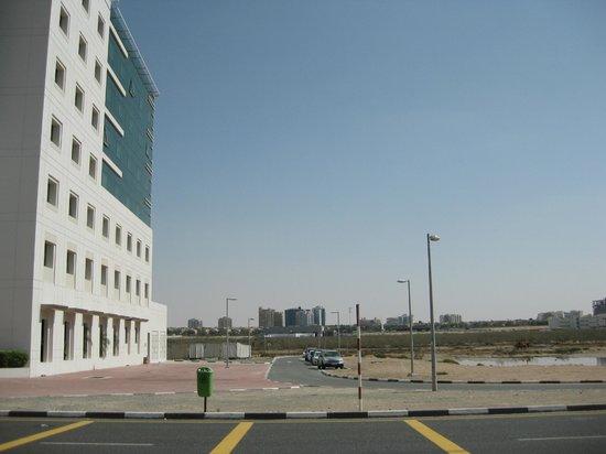 Premier Inn Dubai Silicon Oasis Hotel:                   Grounds
