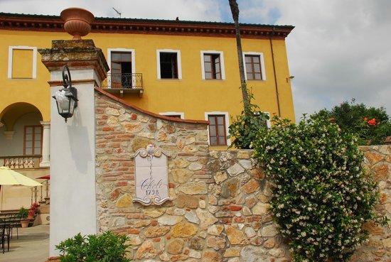 Hotel Villa Cheli: Vista frontal