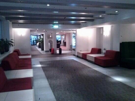 Hampshire Hotel - Eden Amsterdam: recepcion