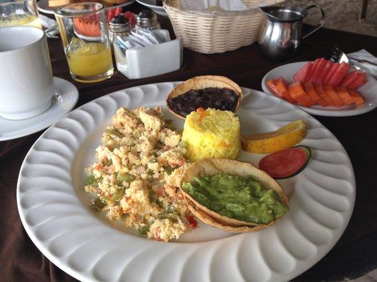 Poc-na Tulum:                   complimentary breakfast
