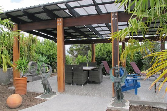 Tiki Tiki Ora :                   Private Temple for guests