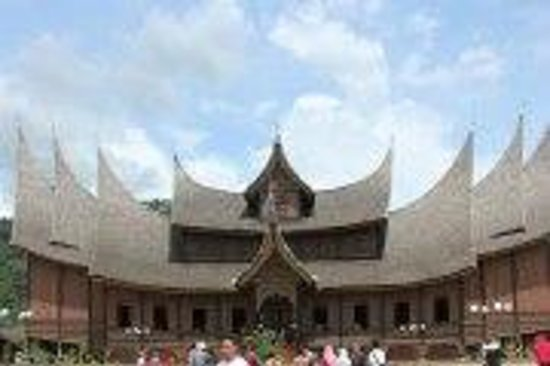 Bukittinggi Clock Tower: Rumah Gadang - traditional Minangkabau house