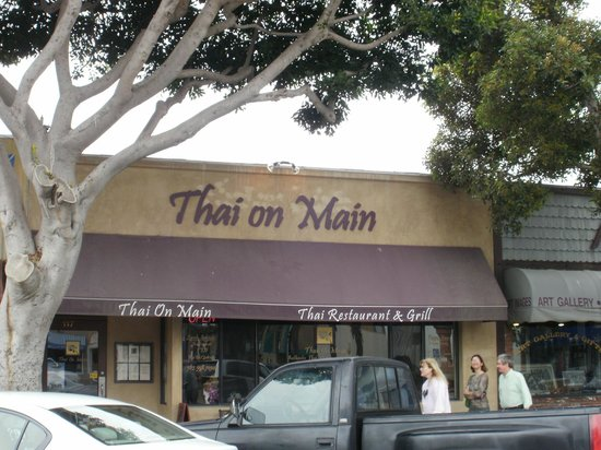 Thai On Main: Exterior