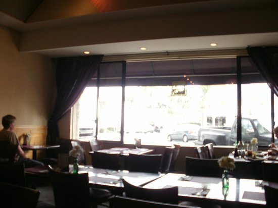 Thai On Main: Interior large front window