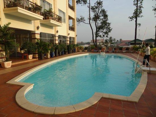 Stung Sangka Hotel: piscine