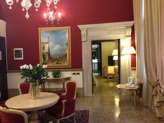 Ruzzini Palace Hotel: our suite!
