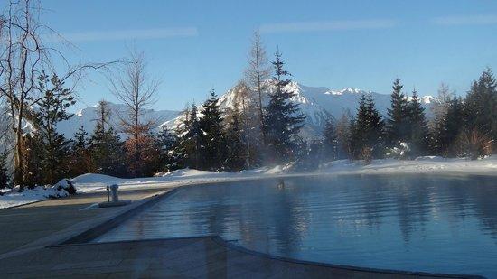 Interalpen-Hotel Tyrol: Der Blick am frühen Morgen auf die Tiroler Berge