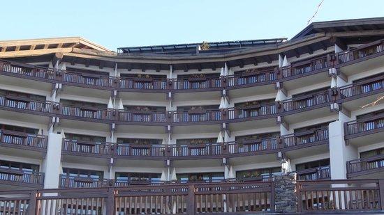 Interalpen-Hotel Tyrol: Die Frontseite des Hotels