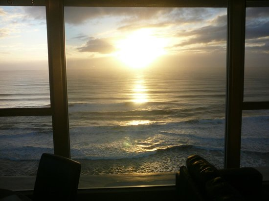 Golden Sands Holiday Apartments: Sunrise from lounge/dining window