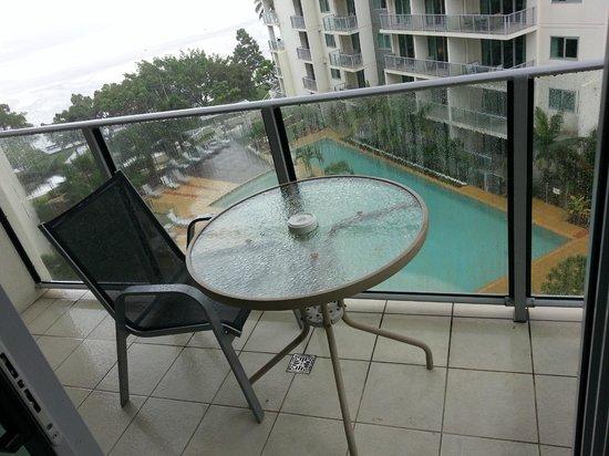 مانترا ترايولوجي: Balcony