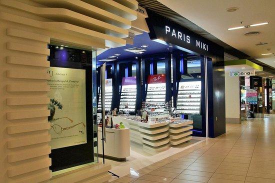 Queensbay Mall: Paris Miki
