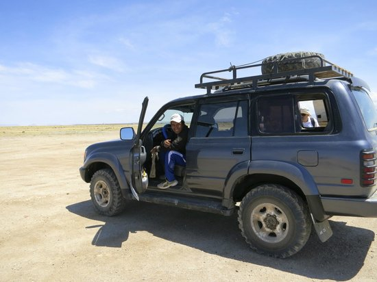 Uyuni Tours: Our reliable vehicle and driver