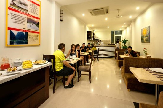 Rising Dragon Estate Hotel: restaurant