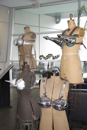 World of WearableArt & Classic Cars Museum: Really metallic.