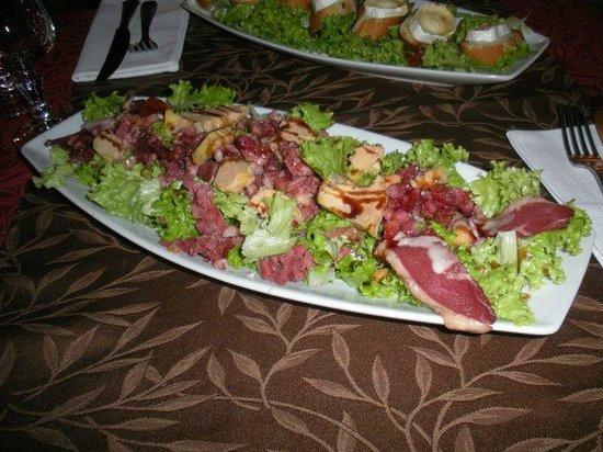 L'Elysee Carnot: Salade Landaise