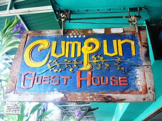 Cumpun Guest House : Hotelbeschriftung