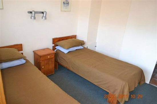 Driftsands Holiday Flats: Typical second bedroom