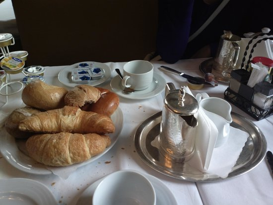 Cafe Hanselmann: Two continental breakfasts