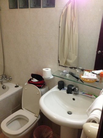 Dong Do Hotel: Bathroom