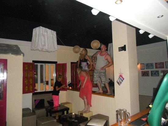Bob's Bar: party 2012