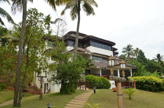 Fragrant Nature Backwater Resort & Ayurveda Spa: Rooms outside view