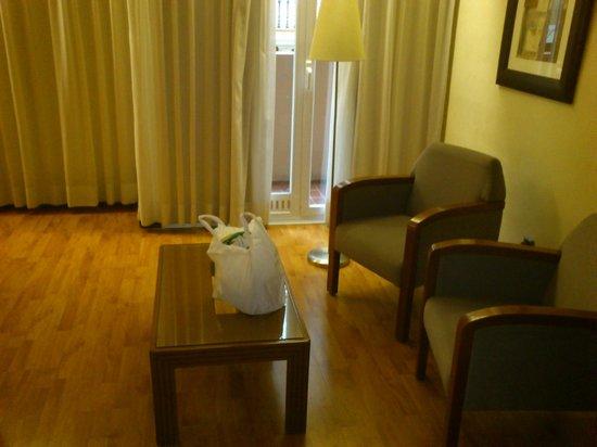 Aparthotel Mariano Cubi: Habitación
