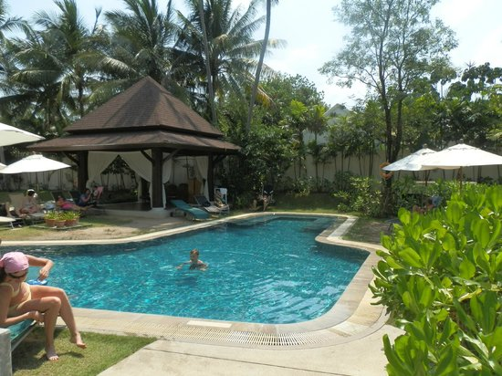 ibis Samui Bophut: The largest of the 4 pools