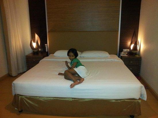 Aspen Suites Hotel Sukhumvit 2 Bangkok by Compass Hospitality: in room