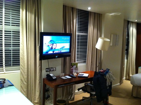 DoubleTree by Hilton Hotel London - West End : Larger room
