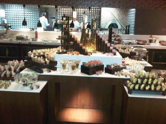 Ramada Gurgaon Central: Buffet
