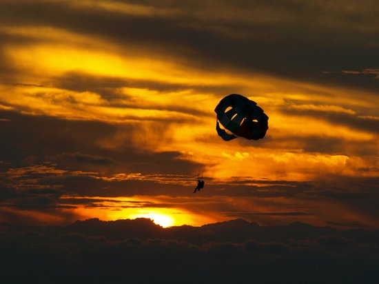 Take Off Ibiza: Parasailing sunset by Takeoffibiza