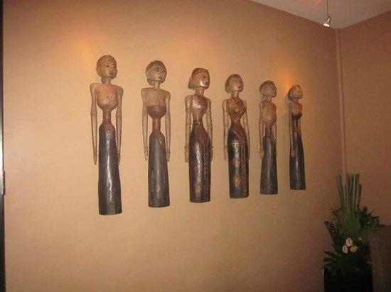 Sarong Restaurant: artwork at Sarong