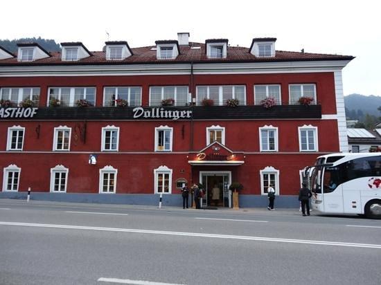 Dollinger Gasthof: Front enterance